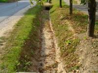 Miért fontos az ingatlanok előtt lévő csapadékvíz elvezető árkok tisztítása?